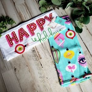 Set of 2 'Happy Holidays' dish/hand towel set